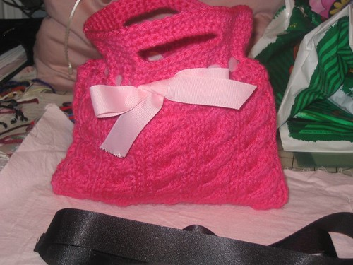 * Seriously?  How can you not LOVE this bag?!
