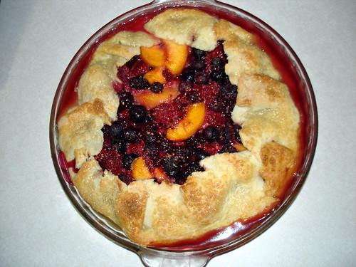 Summer Fruit Pie 5-26-2008 10-55-38 PM