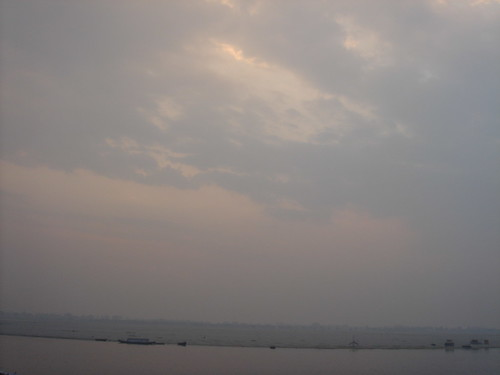 Ganges River1-40日出的恆河天空