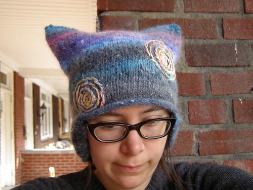 spiraling helmet hat