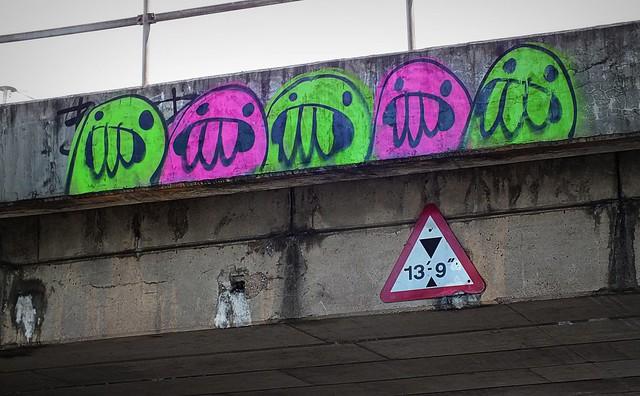 Fake Blob creature grafitti?