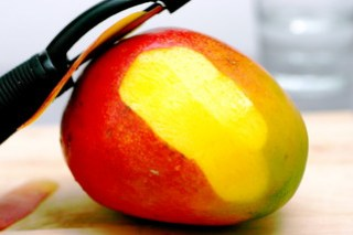 mango, peeling