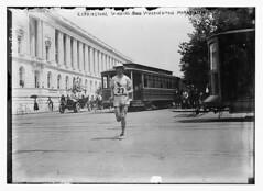 Elphinstone Winning Washington marathon (LOC)