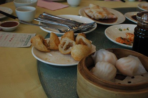 Deep-fried meat dumplings, steamed prawn dumplings