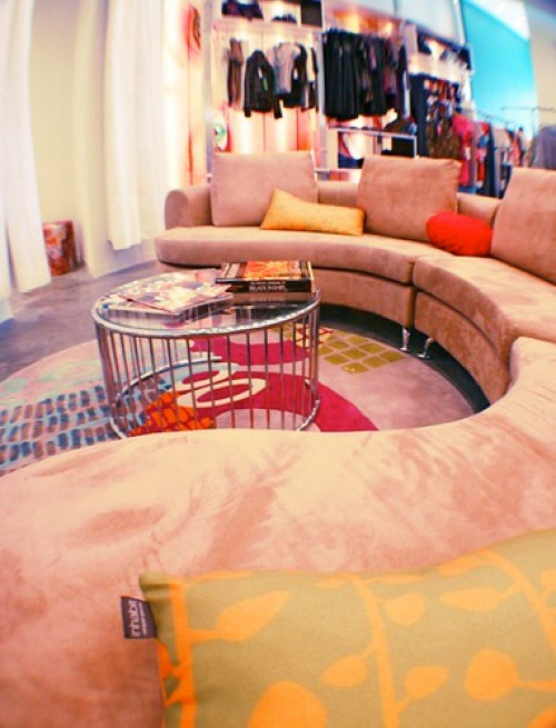 boutique or rad lounge?