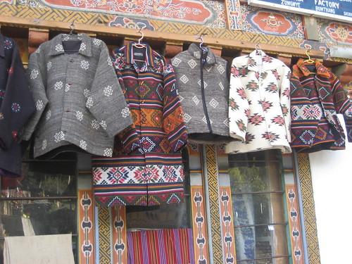 Các loại áo ấm làm từ vải Yathra nổi tiếng tại Bhutan