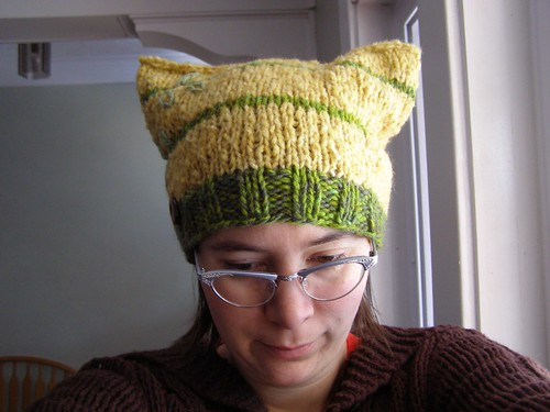 golden delicious hat - front
