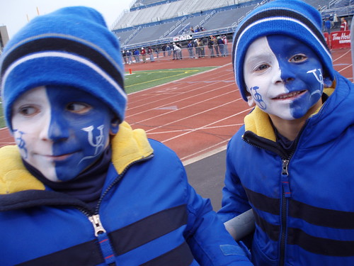 11/17/07 UB last homegame, boys with faces painted