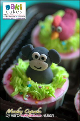 Monkey Cupcake - Maki Cakes