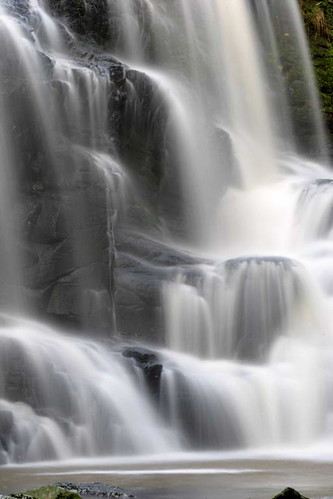 "Cascada • <a style=""font-size:0.8em;"" href=""http://www.flickr.com/photos/20681585@N05/2036583800/"" target=""_blank"">View on Flickr</a>"