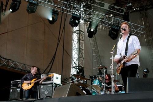 Them Crooked Vultures live at Rock En Seine