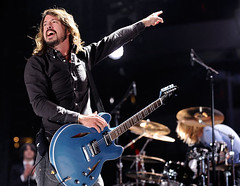 ap_FooFighters_080210_ssh