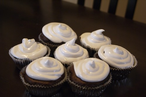 Marshmallow Frosting Cupcakes