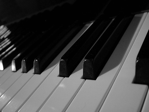 Learn piano! Video piano lessons and tutorials!