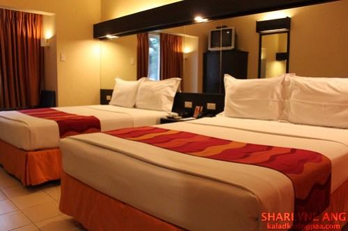 Microtel Davao Room