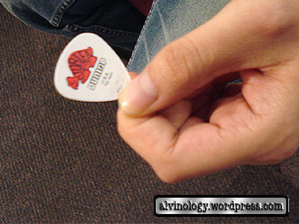 A Yue's guitar puck