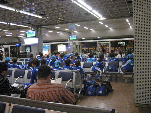 munchkins at the airport