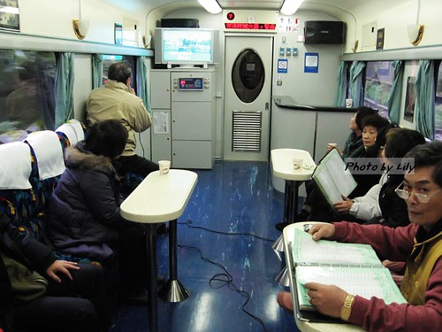 頭等艙專屬卡拉OK室。