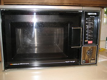 1976 Microwave Oven