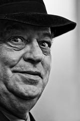 El hombre del sombrero negro por brunoat