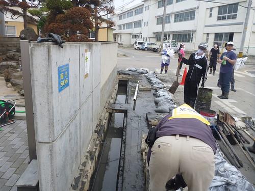 南郷ドブ上げ大作戦, 気仙沼でボランティア Mud dredge volunteer at Nango, Kesennuma, Miyagi pref.