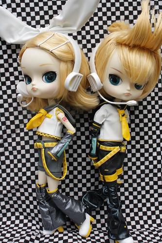 153/365 Vocaloids Rin and Len