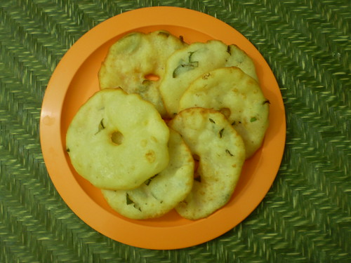 Boiled rice vadas