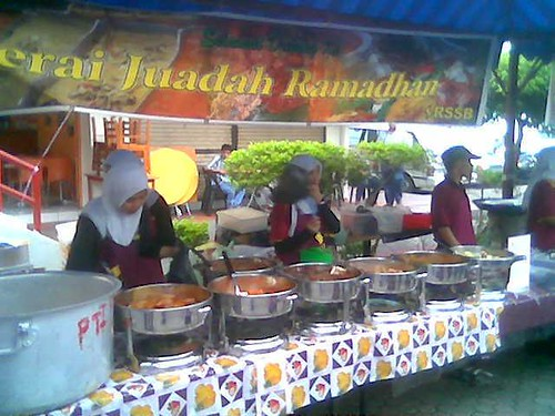 KK Ramadhan curries stall