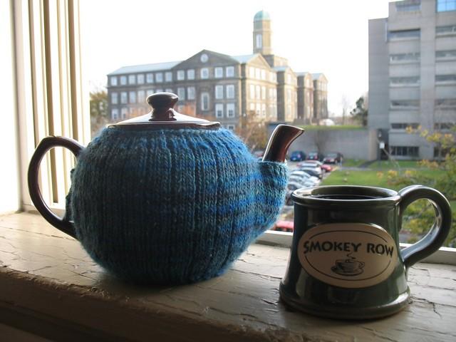 The Tea Mitten - free knit pattern