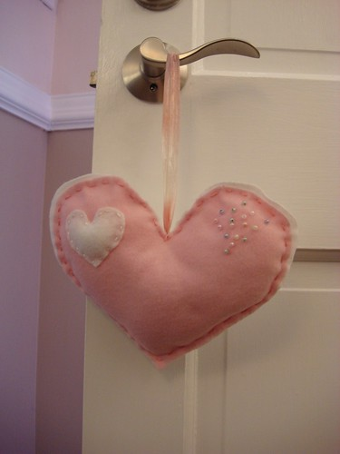 Valentine's Day Decoration: Felt Heart Doorhanger