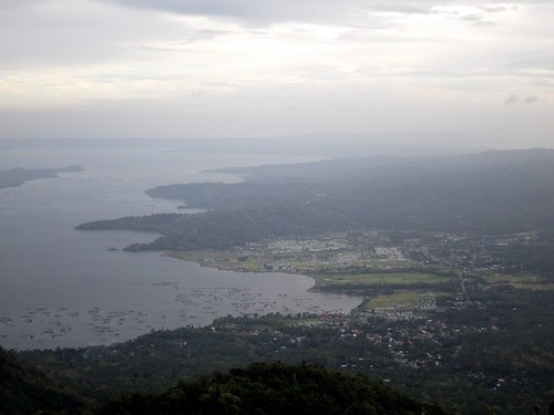 Robust community around Taal Volcano