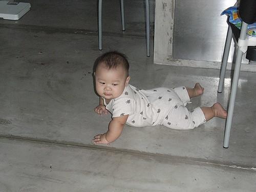 Joshua & the floor - RIMG0137
