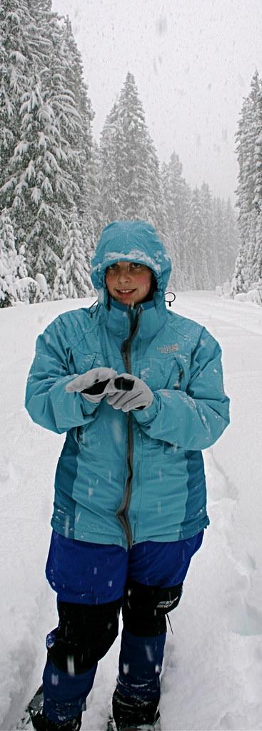 Oregon snowshoeing Waldo Lake Rd.