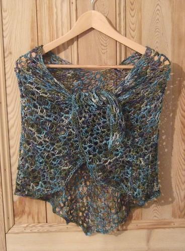 Manos shawl