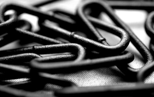 Chain. (Ilford Pan F Plus. Nikon F100. Epson V500.)
