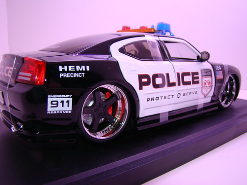Jada Toys Dodge Charger Police (5)