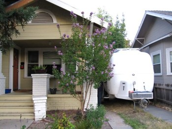 Sacramento - We can often fit unobtrusively in a driveway.