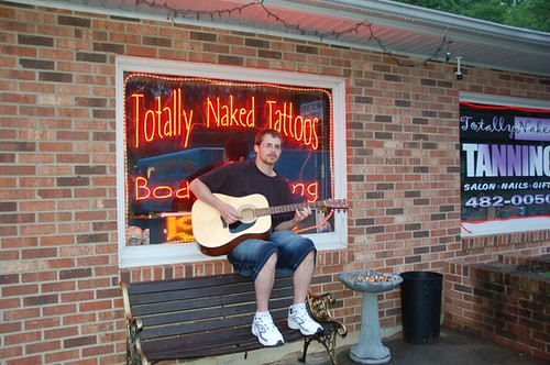 Totally Naked Tattoo's in Franklin