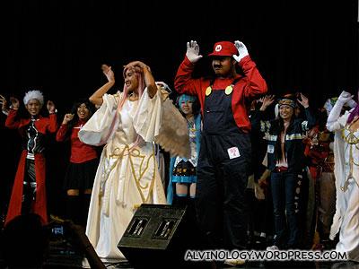 Mario leading the finale dance