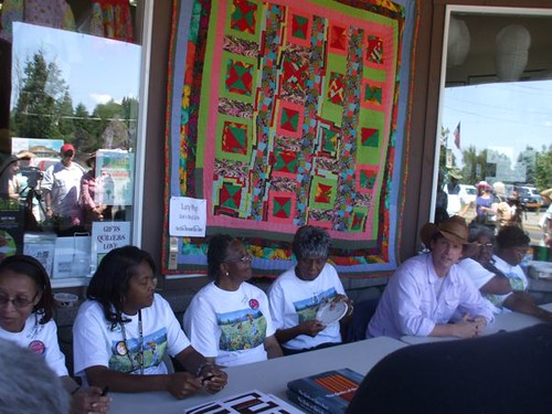 The Quilters of Gee's Bend at the Stitchin' Post, Sisters