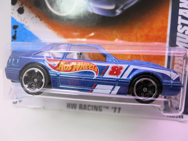 hot wheels racing '92 ford mustang (2)