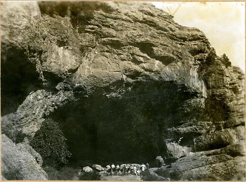 ADACAS - 08-1: Cuevas de Chaves, Bastarás, Huesca. 1921-1924