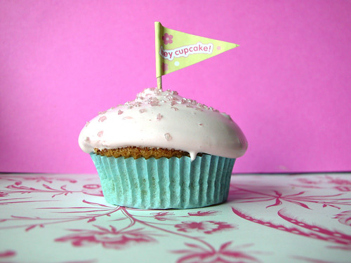 Lonesome cupcake: Think Pink