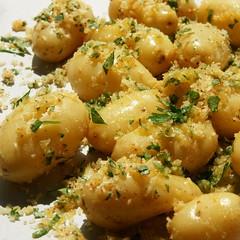 Parmesankartoffeln eingebröselt und backbereit