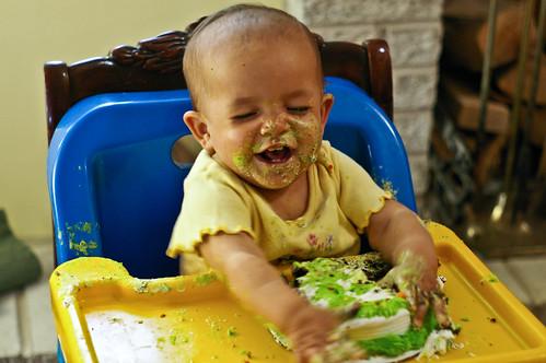 Happy cake baby