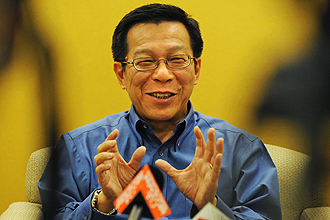 National Development Minister Mah Bow Tan, picture via Straits Times.com