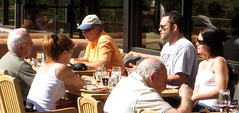 Papa & Gigi had breakfast at the same restaurant as Vince Vaughn!