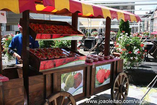 Strawberries in Rynok square vendors Lviv