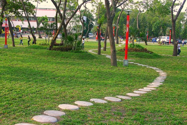 The winding steps of Plaza Heneral Santos.