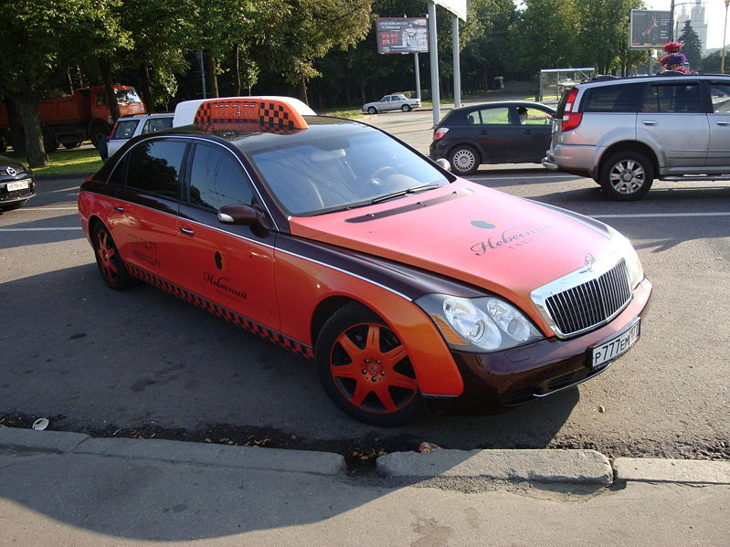 01_Maybach_taxi_Moscow_2